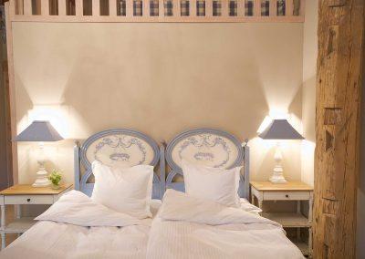 Kornblumenstube Hotel Pronstorfer Torhaus - Bett ©Sonja Bannick
