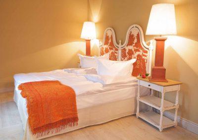 Sommerabend Hotel Pronstorfer Torhaus - Doppelbett ©Sonja Bannick
