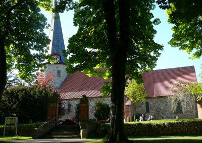 Pronstorf-Kirche1