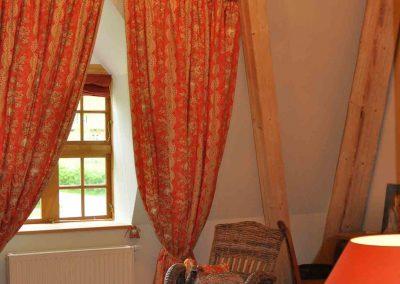 Katzenkörbchen-Hotel-Pronstorfer-Torhaus-Fenster