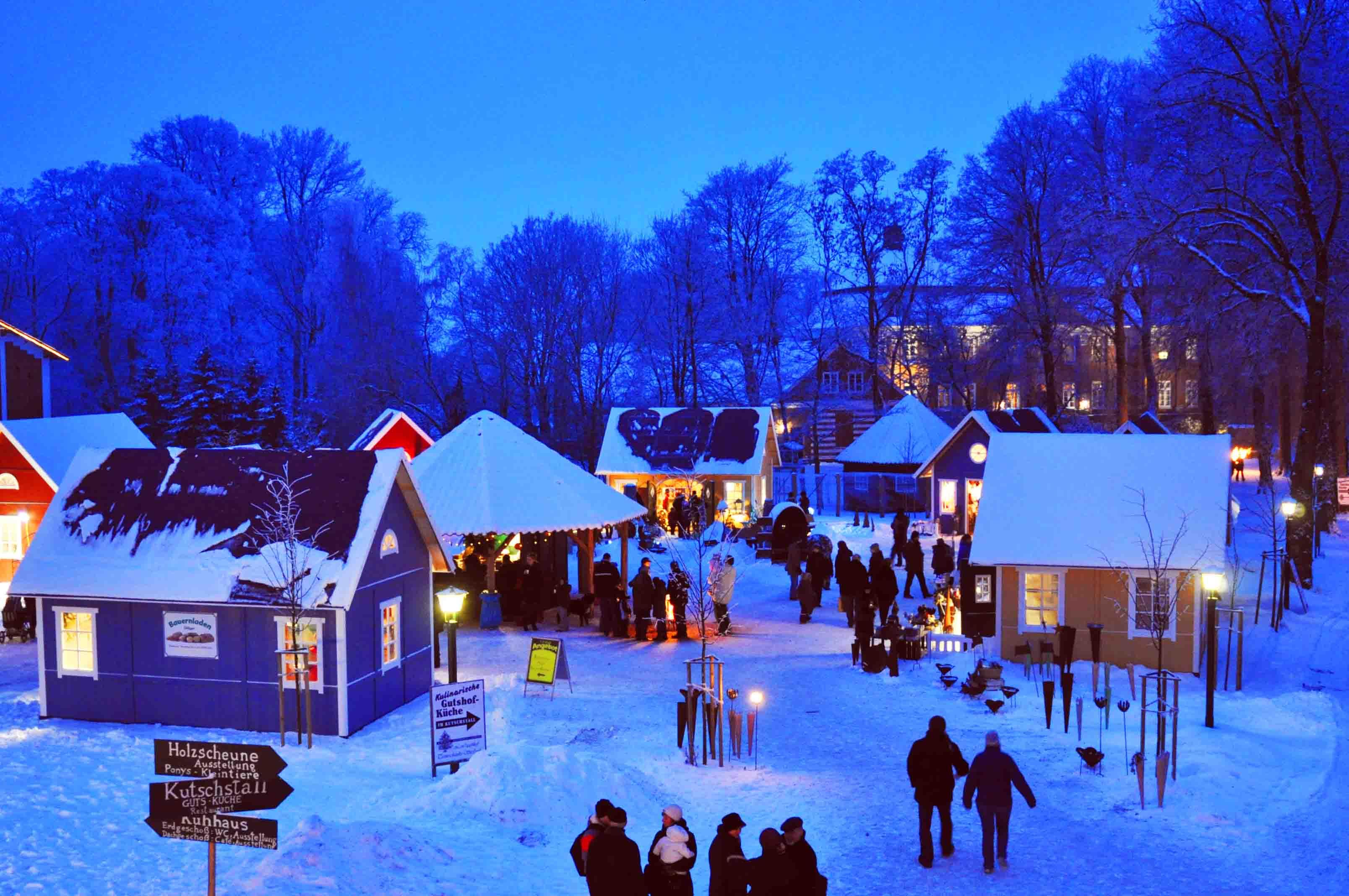 Weihnachtsmarkt Gut Pronstorf Dämmerung