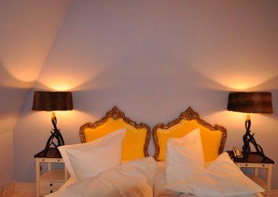 Wildacker-Hotel-Pronstorfer-Torhaus-Doppelbett