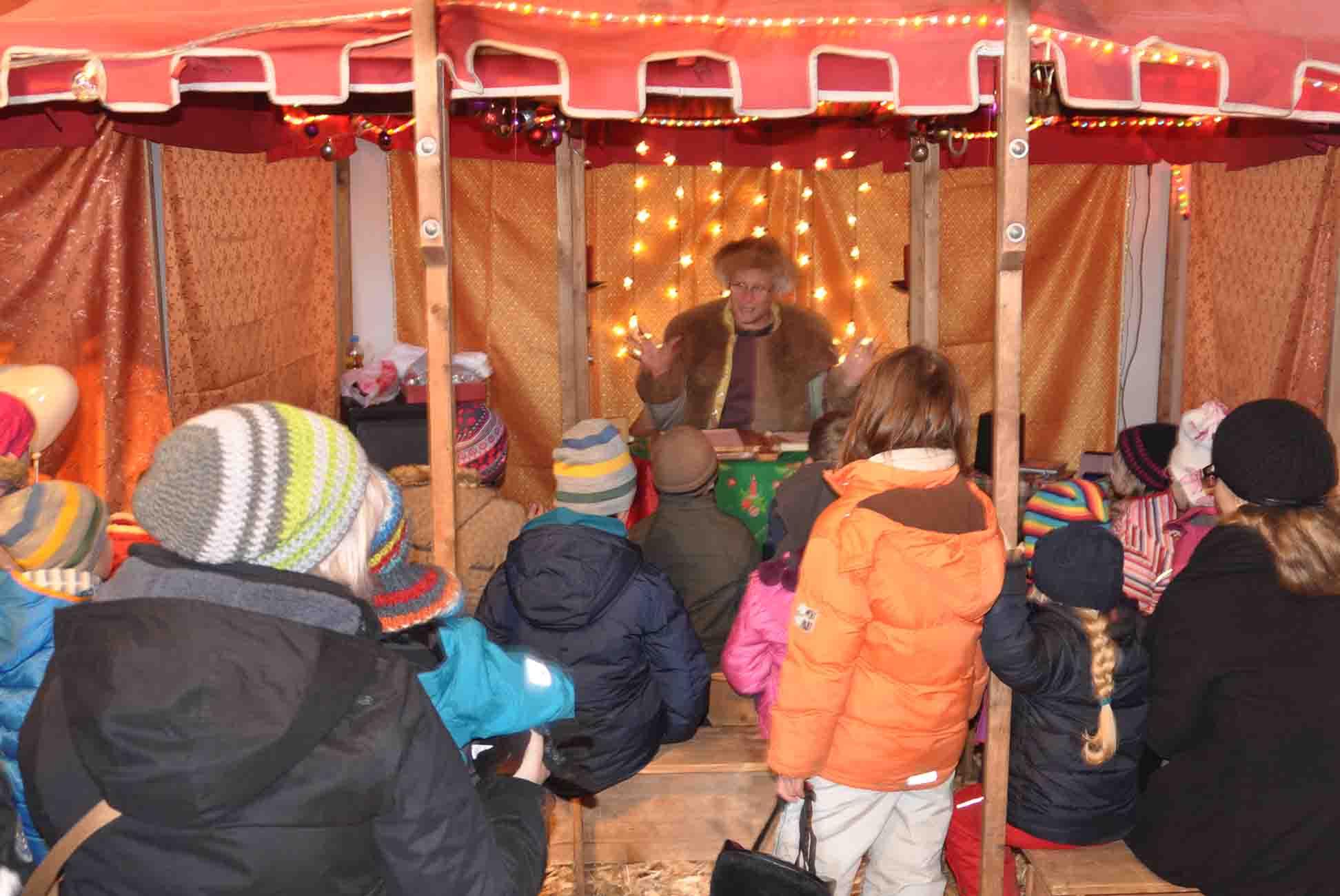 Weihnachtsmarkt Gut Pronstorf Kinderscheune